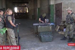 В разбитой промзоне Авдеевки состоялся концерт для украинских воинов