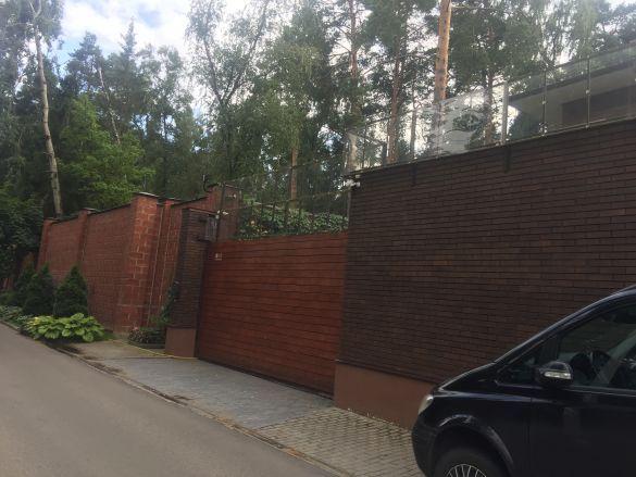 нібито будинок януковича в москві біля дома кобзона_7