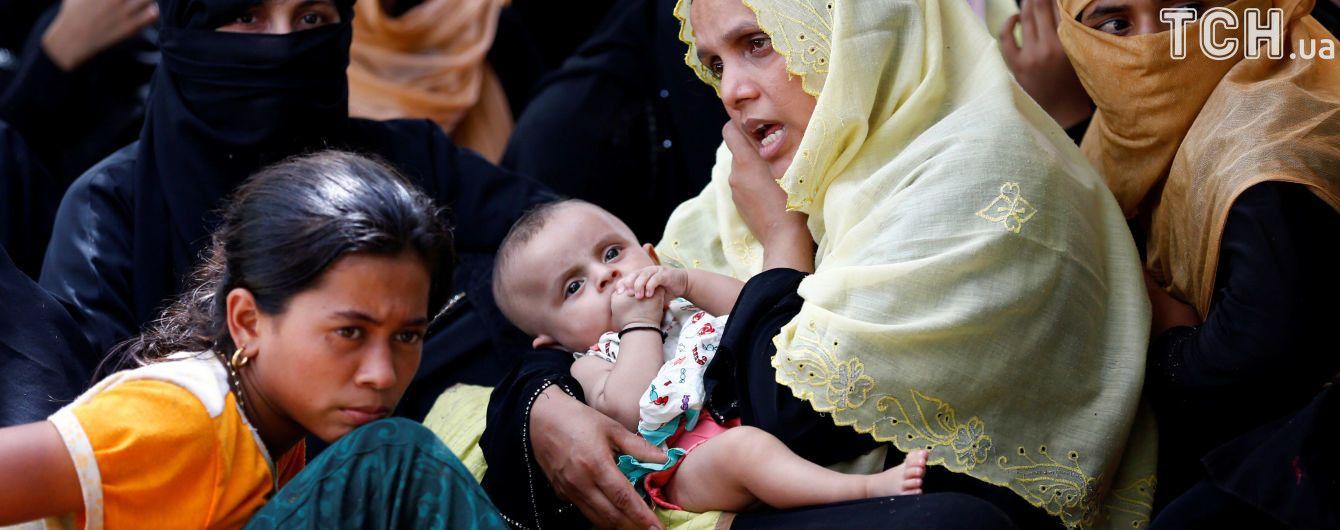Бангладеш переселить 100 тисяч рохінджа на безлюдний острів