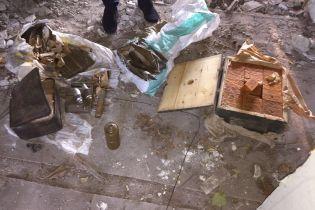 Поблизу лінії розмежування у зоні АТО біля селищної лікарні знайшли схрон із вибухівкою