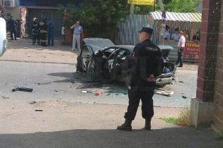 У російській Уфі вибухнуло припарковане авто із людиною всередині