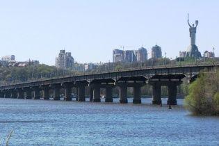 """В """"Киевавтодоре"""" опровергли информацию о разрушении моста Патона"""
