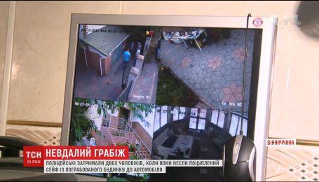 Зв'язана грабіжниками жінка змогла захистити свій будинок від пограбування на Вінниччині