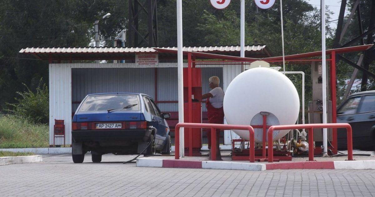 Порошенко пообіцяв зниження ціни на автогаз