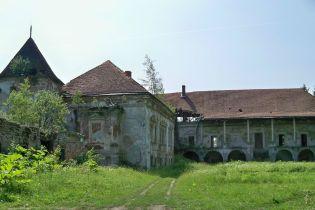 Улюблений замок короля Речі Посполитої. У Поморянах відреставрують легендарну середньовічну фортецю