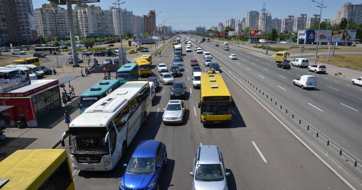 Киев остановился в изнурительных пробках из-за ремонта дорог
