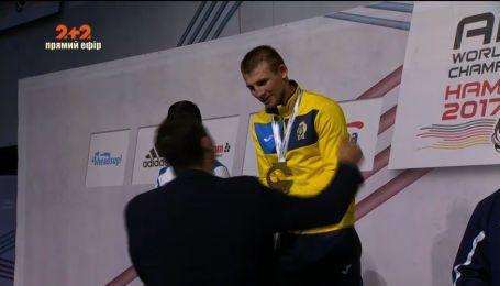 Украинец Александр Хижняк стал чемпионом мира по боксу