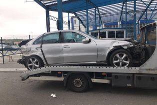 В Украину хотели завезти почти 60 килограммов наркотиков, спрятанных в разбитом авто
