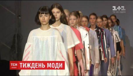 Десятки дизайнерів презентують свої колекції на Ukrainian Fashion Week