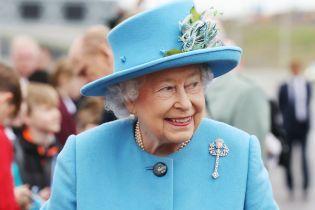 """Королева Британії Єлизавета II виявилася замішаною у новому офшорному скандалі """"Paradise Papers"""""""