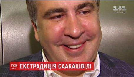 Грузия обвиняет Саакашвили в злоупотреблении властью и требует экстрадиции