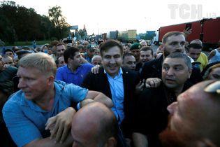 10 гражданам Грузии запретили въезд в Украину из-за пересечения границы вместе с Саакашвили