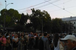 Очереди и долгая дорога домой: из-за задымления в метро киевляне идут пешком