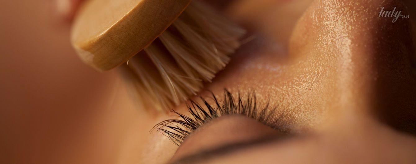 Масаж обличчя пензлями: гладка шкіра та здорові нерви