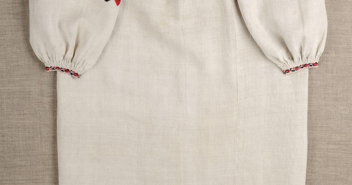 Сорочка жіноча додільна вишита. Кін. ХІХ ст. Київська обл., м. Димер. Домоткане лляне полотно, заполоч; хрестик, шеляжок