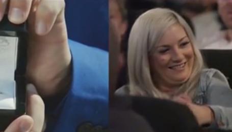 Потрясающее предложение руки и сердца: австралиец снял романтический видеоролик и показал любимой в кинотеатре