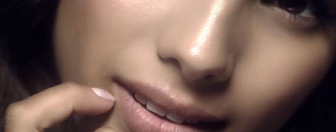 Подопечная Потапа Мишель Андраде губами соблазнительно насвистела новую песню