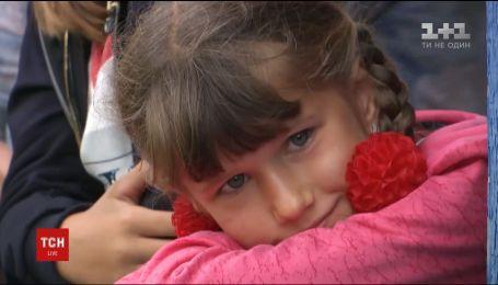 На Рівненщині батьки не пускають дітей до школи, яка може обвалитись у будь-який момент