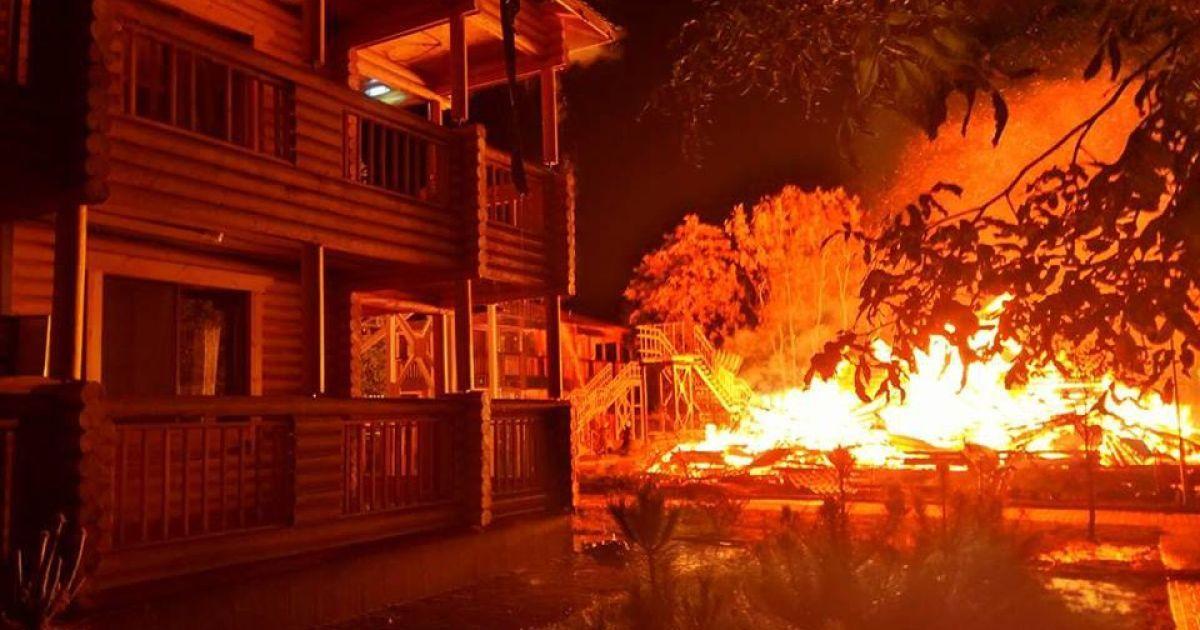 На месте пожара в детском лагере в Одессе найдено тело - СМИ