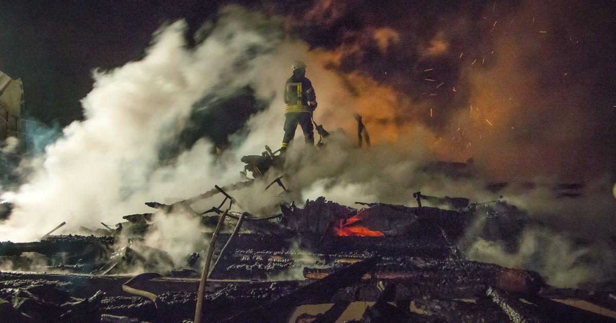 """В деле о трагическом пожаре в Одессе обыскали 14 фирм, которые реконструировали лагерь """"Виктория"""""""