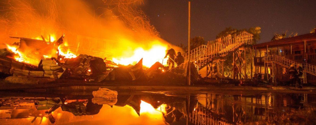 """Пожежа у таборі """"Вікторія"""": будівельників підозрюють у розкраданні майже двох мільйонів гривень"""