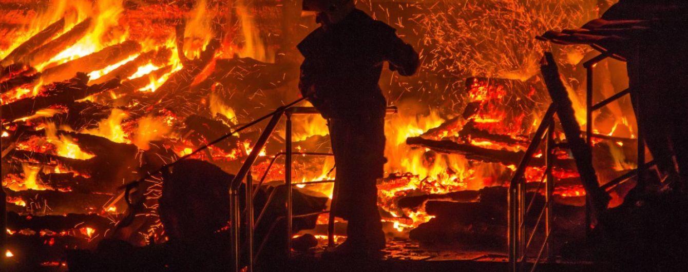 Пожар в лагере в Одессе: девочка спасла из огня 8 младших детей