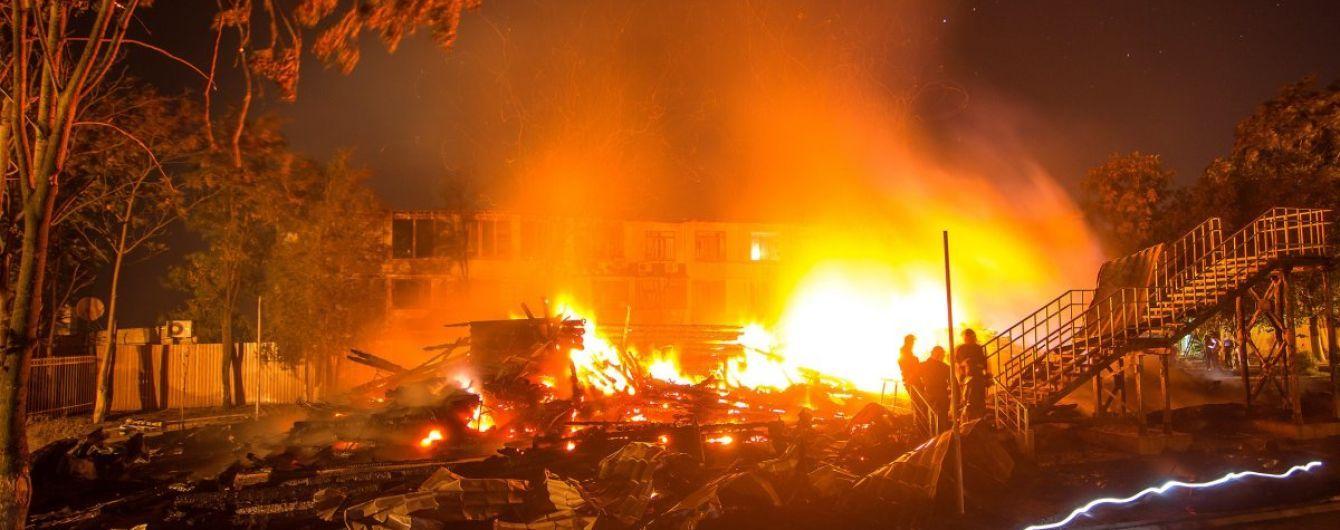 """Суд знову заарештував відстороненого директора табору """"Вікторія"""", де у пожежі загинуло троє дітей"""