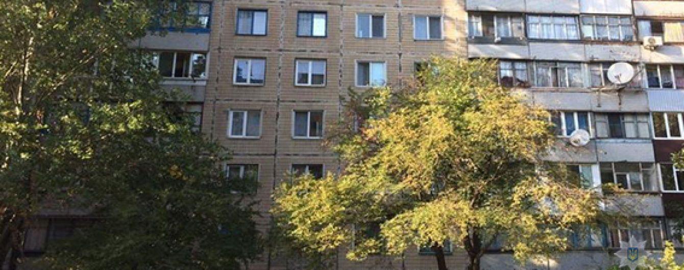 На Дніпропетровщині однорічний хлопчик випав з вікна 4-го поверху
