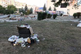 Кучи мусора и уничтоженные клумбы. Жители Обухова отпраздновали 655-ю годовщину основания города