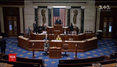 Сенат США одобрил проект бюджета, который предусматривает значительную помощь Украине