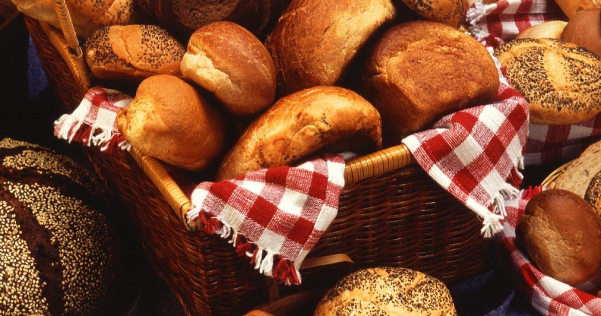 Кола бюрократії: щоб купити хліб, жителі Туркменістану повинні отримати довідки та дати хабар
