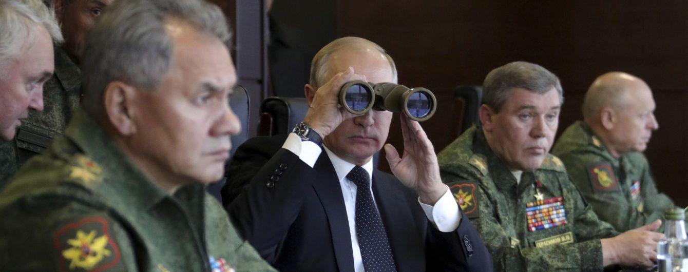 """Волонтер назвав рішення Путіна відкликати офіцерів із СЦКК """"стрьомним"""" кроком"""