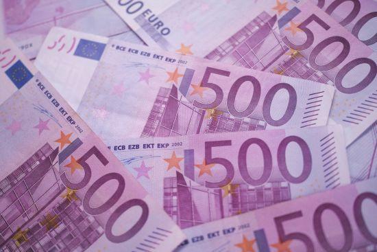 Курс валют на 7 березня: євро обвалився нижче 30 грн. Інфографіка