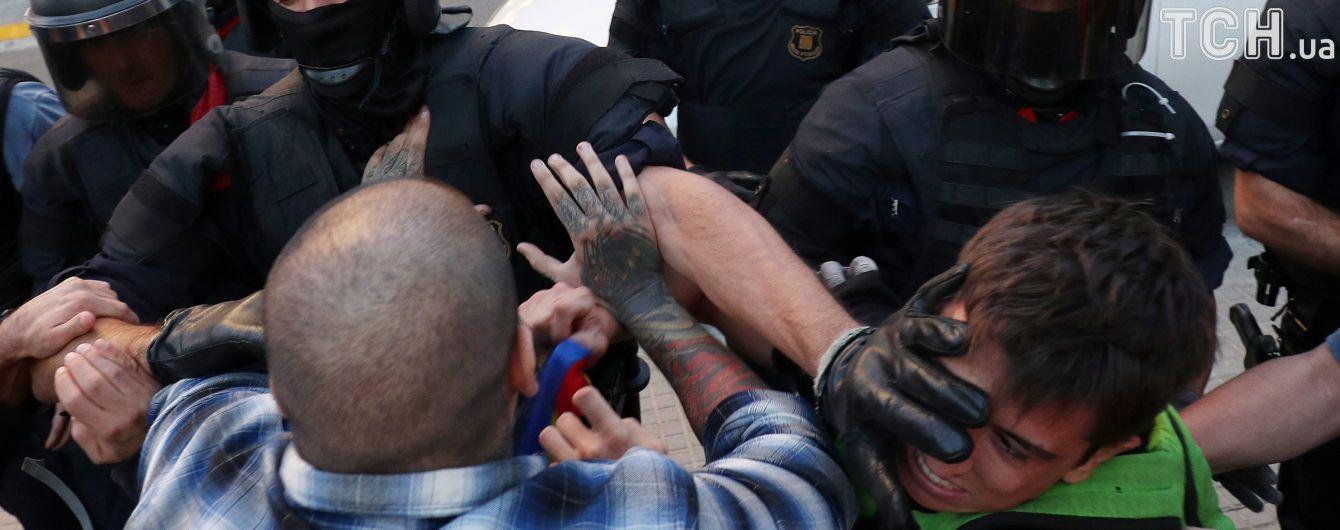 Серцевий напад і гумова куля в око: понад тисяча осіб постраждала після референдуму в Каталонії