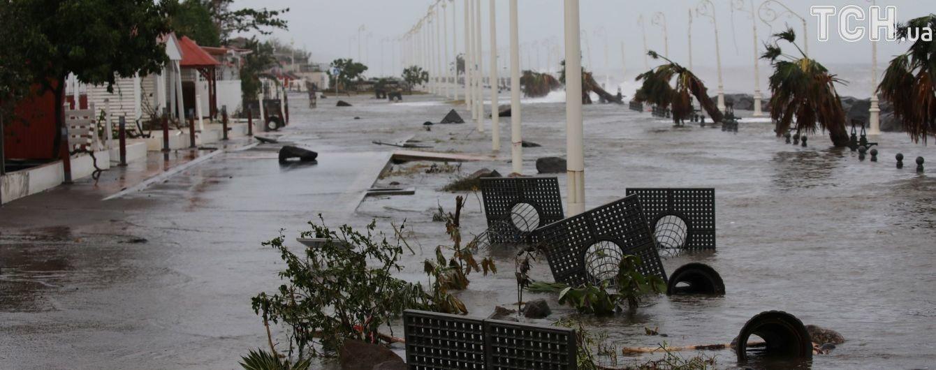 СМИ: к США направляется еще один ураган