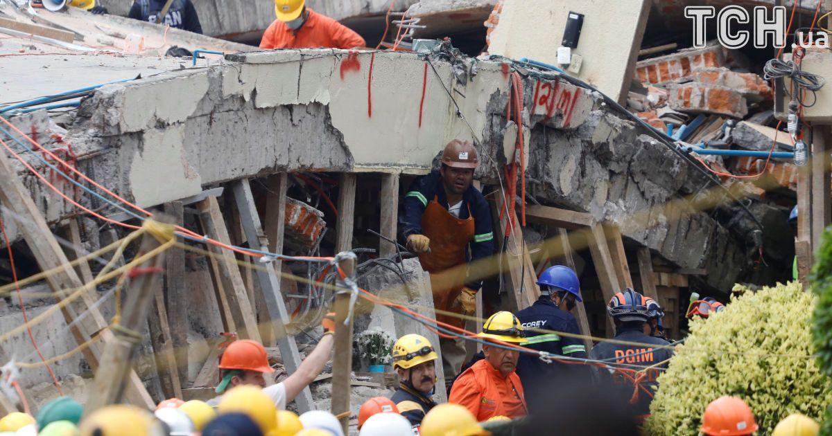 В Мексике почти 300 человек стали жертвами  землетрясения