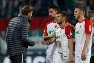 Немецкий футболист получил наказание за вульгарный жест тренеру