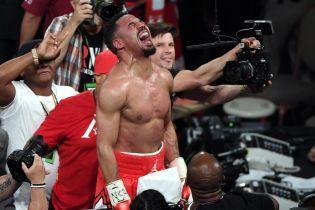 Непобедимый американец похвалил Ломаченко после боя с Педрасою