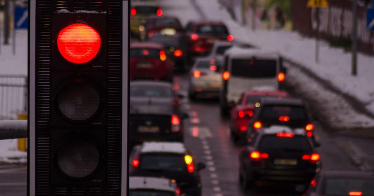 Бросай руль - садись в метро. Мир отмечает День без автомобиля, в Украине - не привыкли к этому празднику
