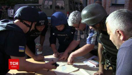 Эксклюзивные кадры борьбы с пожаром на военном складе возле Новоянисоля