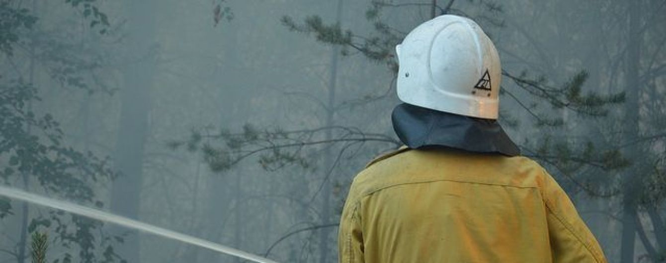 На Черниговщине неизвестные жестоко избили спасателей, которые тушили пожар возле села