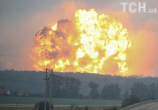 Річниця вибухів у Калинівці: дані слідства засекретили, а на складах досі тривають розмінування