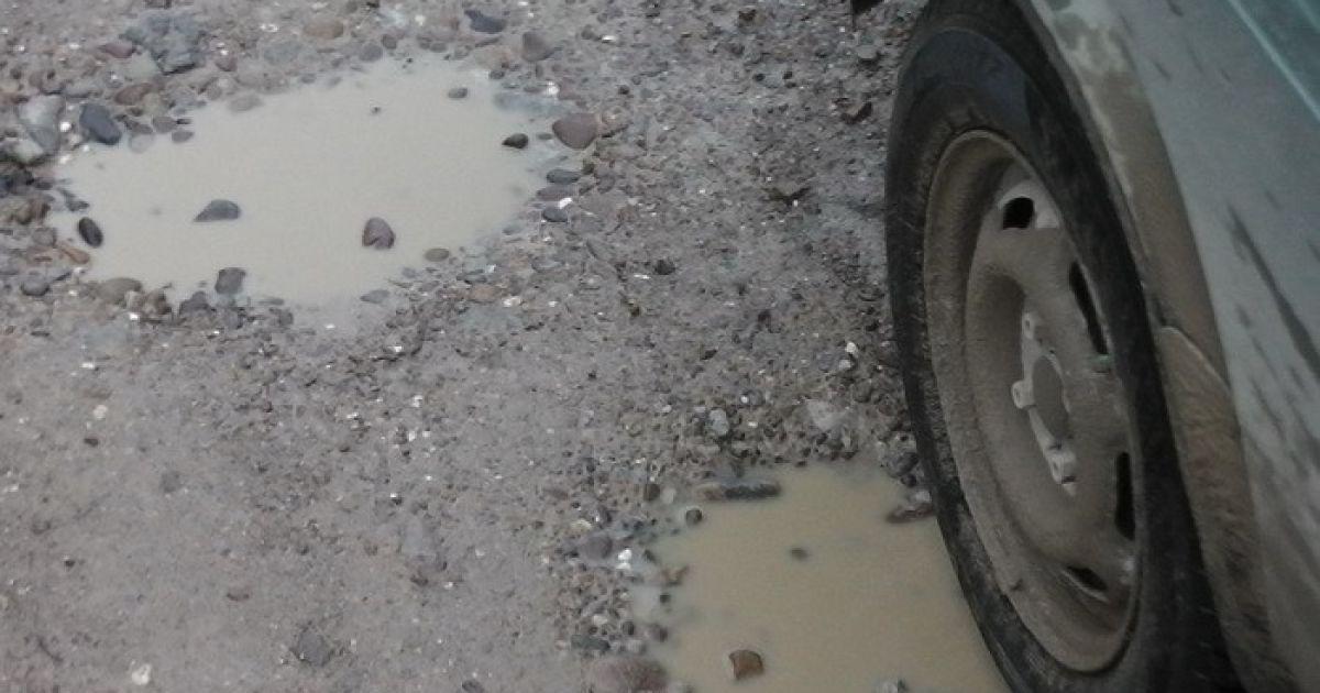 В буковинском селе разворовали деньги на ремонт дороги
