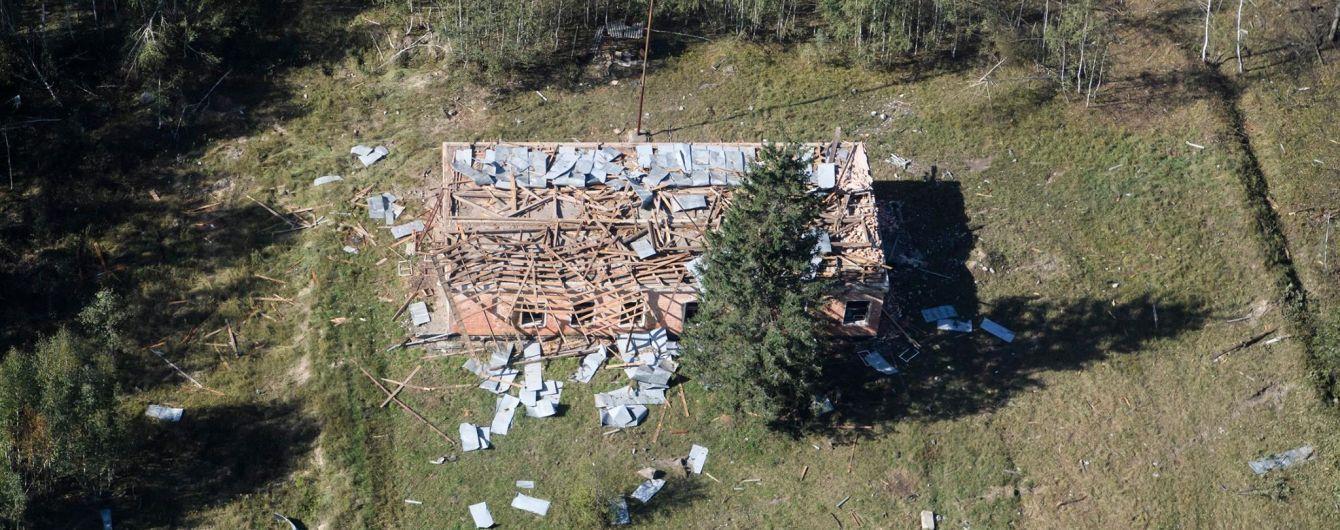 Прокуратура назвала причини вибухів на військових складах у Калинівці
