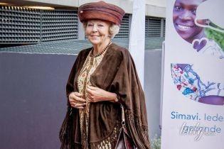 На каблуках и в необычной шляпе: 79-летняя принцесса Нидерландов Беатрикс блистает на красной дорожке