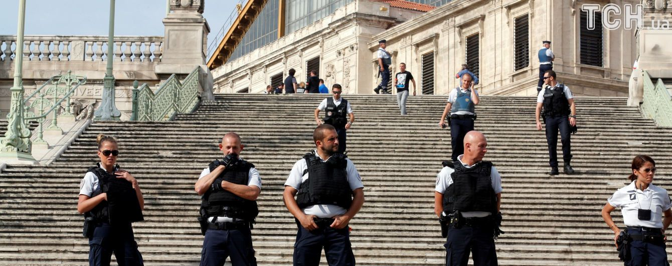 """""""ІД"""" взяла на себе відповідальність за напад на вокзалі в Марселі - Reuters"""
