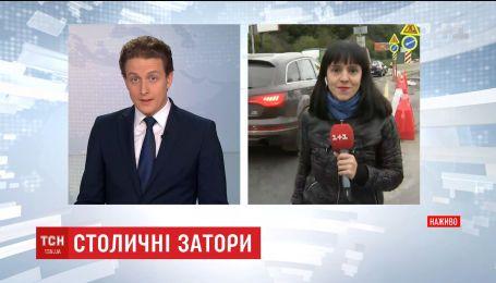 В Киеве образовались заторы из капитального ремонта нескольких главных магистралей