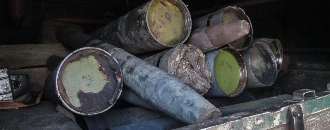 Жителі Чернігівщини попереджають про загрозу вибухів на місцевому арсеналі зброї