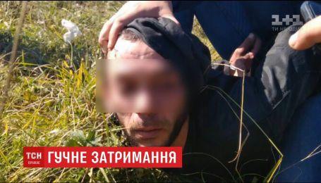 Правоохоронці затримали банду, яка скоїла резонансні злочини для міжнародного скандалу