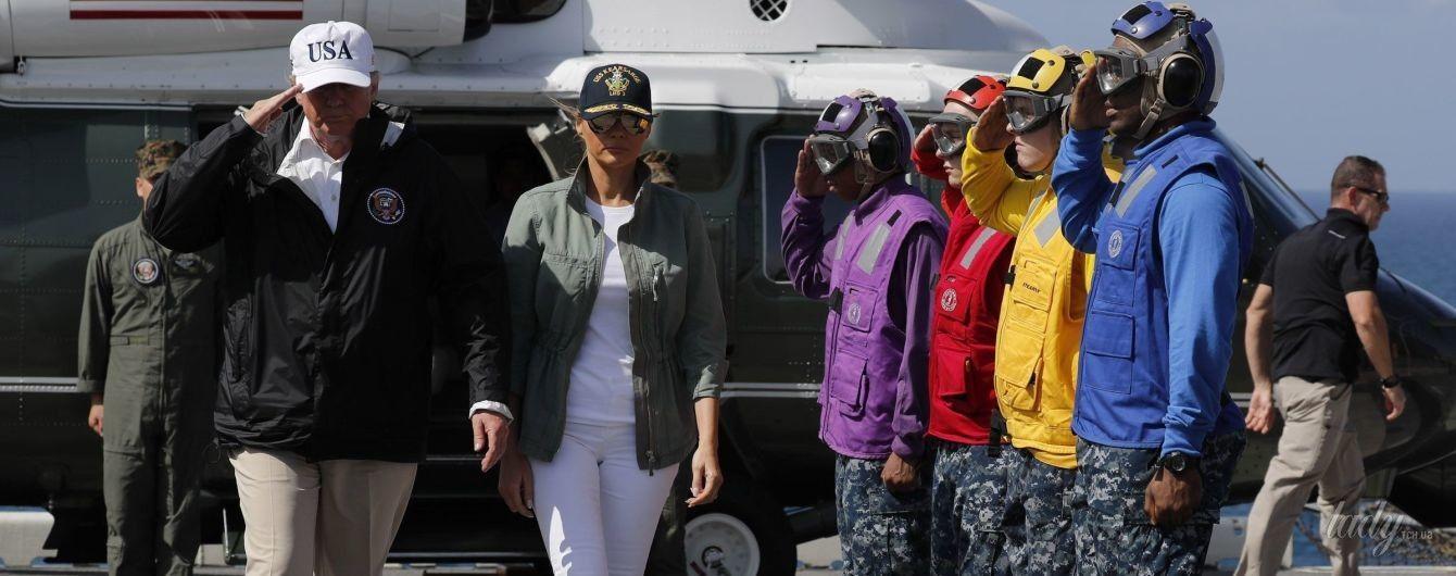 Сменила лубутены на тимберленды: Мелания Трамп в Пуэрто-Рико